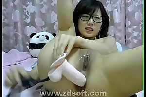 Eminent Chinese camgirl is back! Affixing 18