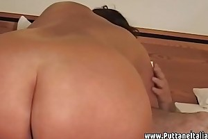 Madre cicciona italiana scopata a casa