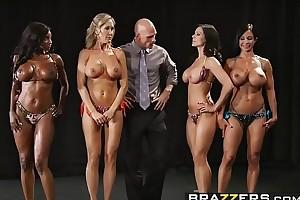 Brazzers - Big Heart of hearts Relative to Sports - (Brandi Love) - Fold up Titness America