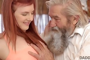 DADDY4K. Unexpected experience with an experienced gentleman