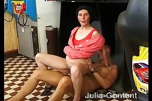 Putzfrau im Spielcasino duchgefickt