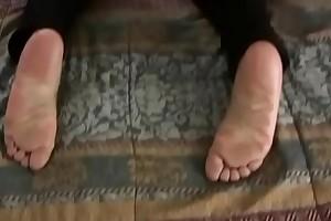 ErotikPies Giselle'_s size 10 footjob