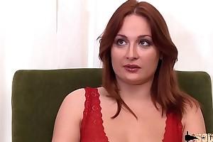 La pimpante Eva passe un troupe anal !