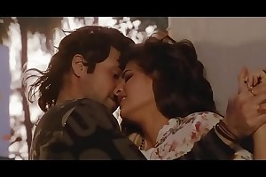 Bollywood dreamboat Jacqueline Fernandez hot kissing scenes   despondent dance !