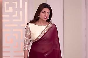 Chubby TV Aunty Divyanka Tripathi aka Ishita Beautiful Umbilicus in Transparent Sari