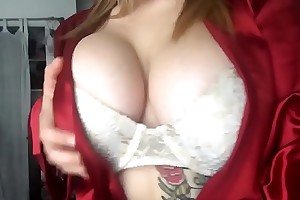 [New film over Leaked ] 19 duration old Alisa shows her boobs on Facebook.