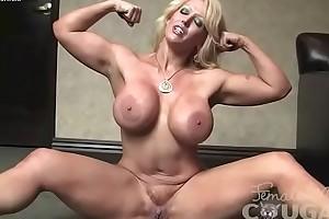 Muscle Amazon Alura Jenson Masturbates