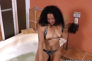 Latina milf Sharon gets turned first of all in bathtub