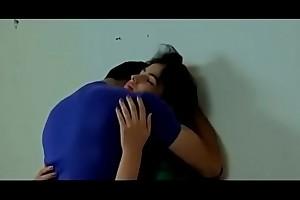 प्यासी साली का सहारा बना जीजा  Hindi Movies Hot Videos