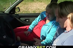 60 era old granny screwed roadside