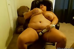 curvy bbw squeaky gamer with veiny breasts coupled with huge anus