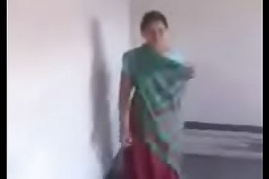 Desi bhabi fucked in a building