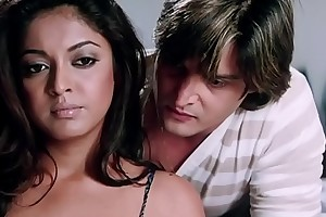 Jimmy Shergill   Tanushree Dutta fantasizer moment - Hindi Movie Scene - Raqe
