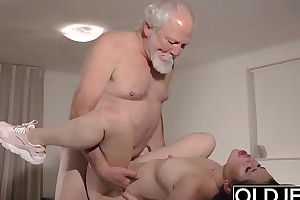 Teen Interrupts Grandpa from Yoga With an increment of Sucks his Flannel wet and hard