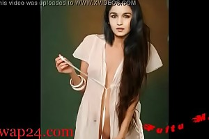 Alia Bhatt bollywood Nipple and chest (sexwap24.com)