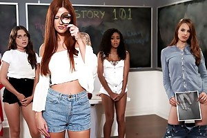 Pair of hot babes playing lesbian rejoicing in the classroom