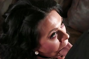 Comate baffle fucks dark-haired housewife upon burnish apply living square