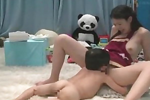 Japanese midget licking delicious pussy and gets blowjob