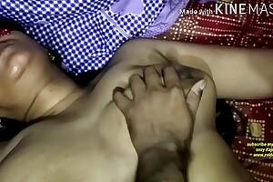 हिंदी सेक्सी ऑडियो सास के सामने ससुर का मोटा लौड़ा उबलती चू त में लिया लौड़ा जाते ही मुंह खुला का खुला रह गया