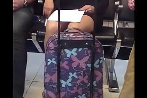 Upskirt en el aeropuerto de la cd de mexico