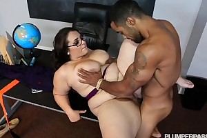 Plump trainer school drilled by her hung student