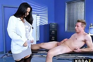 Huge love muffins doctor ava addams fixes fat penis pro...