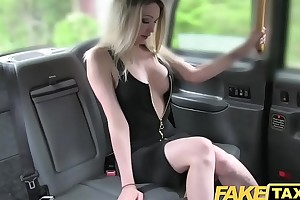 Fake taxi super hawt blond with respect to a great body can't live impecunious pecker