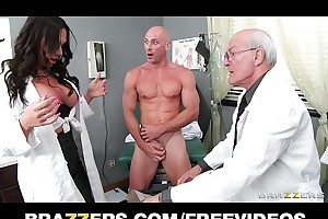 Elegant doctor's assistant karma dixon copulates their way hung casing