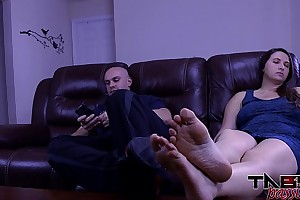 Big mounds melanie hicks in daughter copulates daddy whilst tit outside