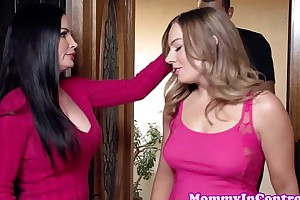 Stunning stepmom credo how to engulf a schlong