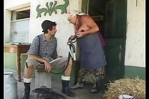 Chubby granny receives a biggest gravamen