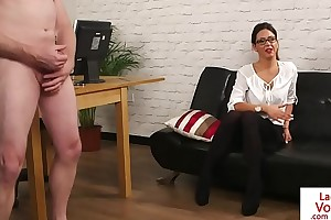Spex voyeur beauty instructs sub guy
