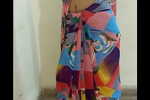 Indian desi wife removing sari and fingering pussy suck up to orgasm forth moaning