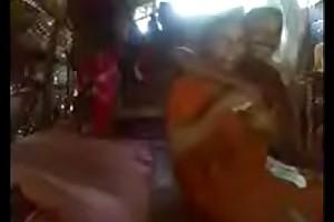 Kerala aunty in saree fucking concerning neighbour