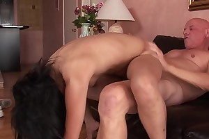 Flexible Asian slut gets pounded apart from an older guy essentially the siamoise