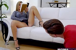 Cheating hotwife india summer plays just about stepsons monumental pecker! s7:e10