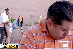 Bangbros - large ass milf rachel starr bonks her golf instructor behind husband's back