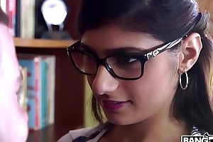 Bangbros - mia khalifa is take and hotter than ever! check well supplied out!
