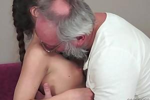 Teenie anita bellini gets drilled overwrought a grandpapa