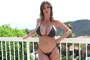 Stepmom alexis fawx uses stepson wide fulfill her voluptuous needs
