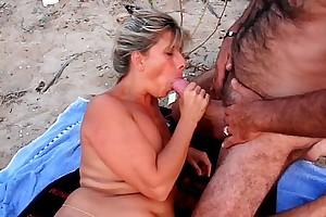 Amateur cuckold beach