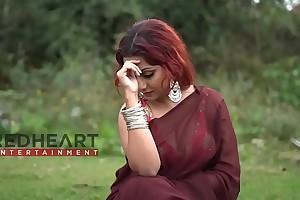 Red Hair Bong Girl far Saree