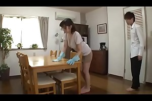 Japanese Mom Still Cleaning - LinkFull: http://q.gs/EQTFB