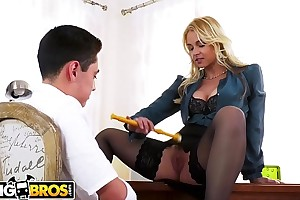 BANGBROS - Juan El Caballo Thimble-witted Is Hot Be incumbent on His Be shattered Teacher, Sarah Vandella
