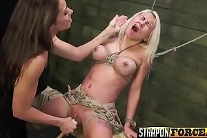 Drag queen Babes Enjoying Strapon Sex