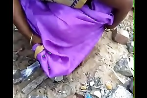 Tamil wife pee in advance of husband in outdoor