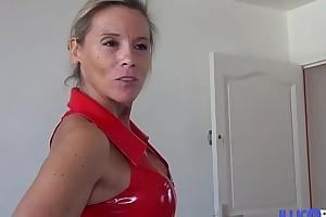 Elle se de?couvre femme fontaine dans un plan cuckold avec son mari ! [Full Video]
