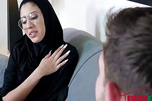 Angel Del Rey In Tiny Muslim Teen Lives Chum around with annoy Anal Dream