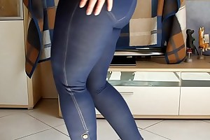 Big german wazoo girth dance jeans