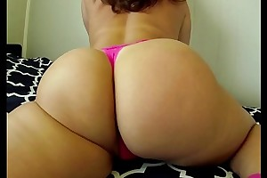PAWG Vanilla Cake Shaking Her Big Ass Contraband